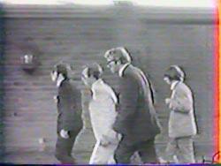 John, Fonda, Mal Evans e Ringo durante a festa