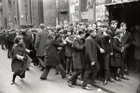 "Queue in front of the famous ""cavern-club"" in Liverpool 1964"